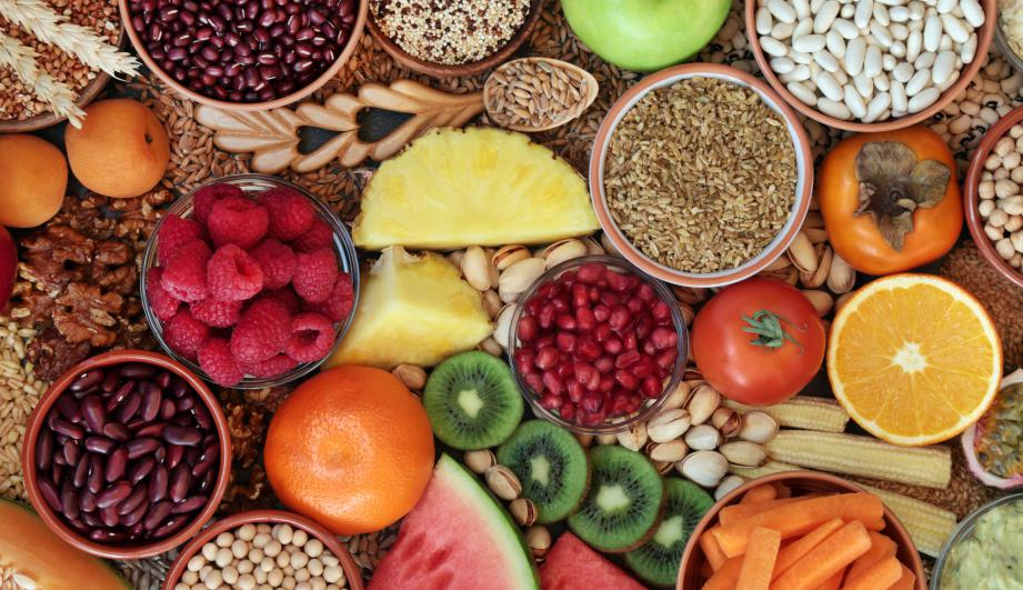 High fibre health food concept with super foods high in antioxidants, omega 3, vitamins & protein with low GI levels for diabetics. Helps to lower blood pressure & cholesterol & optimise a healthy heart.