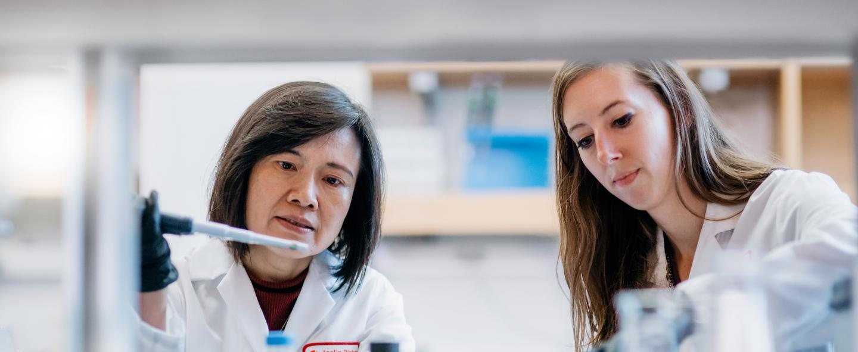 Joslin researchers in the lab.