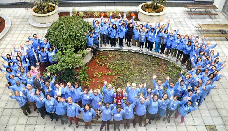 Joslin staff form a blue circle in honor of WDD
